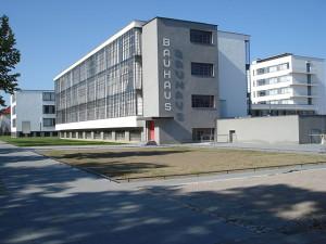 640px-Dessau_Bauhaus_neu