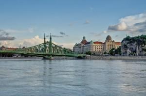 budapest freiheitsbruecke hotel gellert gellertberg 33001 x